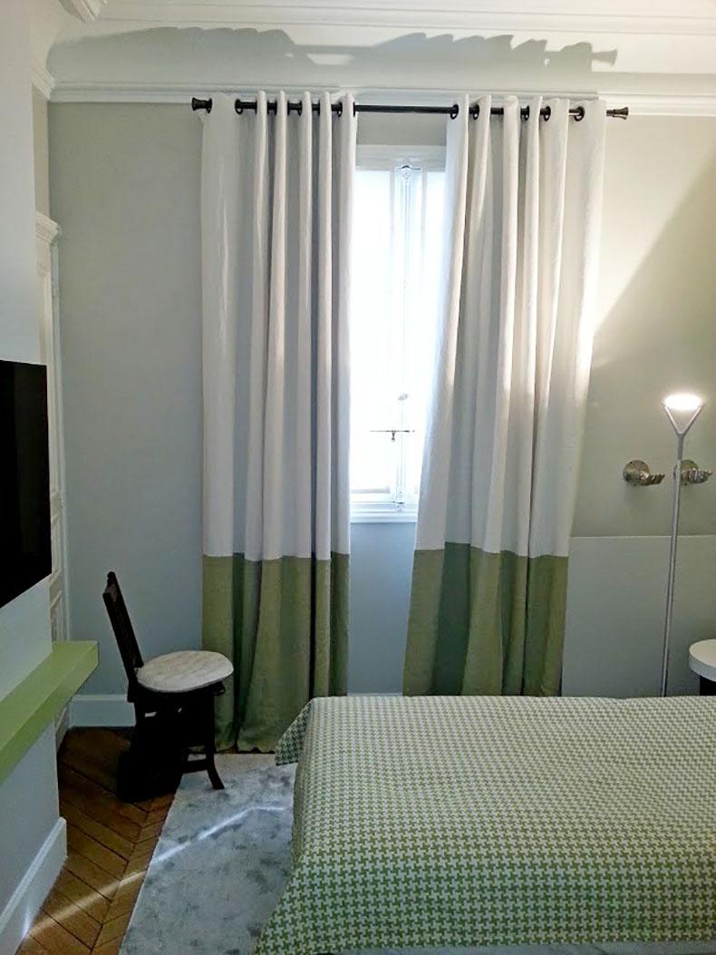 double-rideaux-sur-mesure-tete-oeilllet-chambre-dhotel