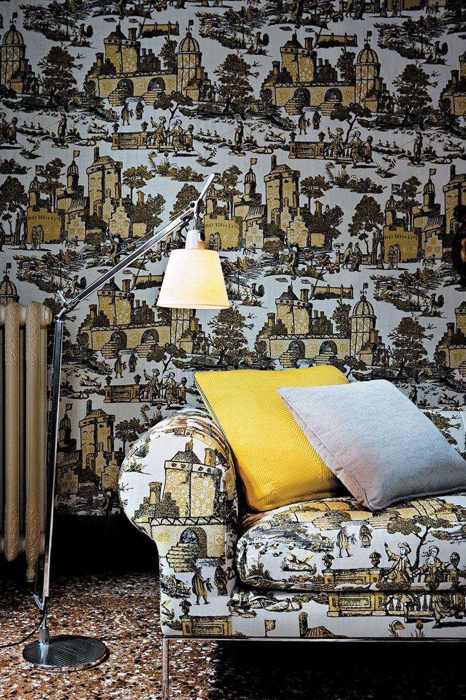 tenture-murale-assortie-tissu-canapé