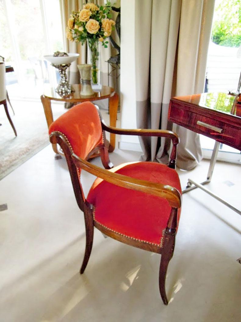 réfection-fauteuil-art-déco-en-velour-finition-cloutée