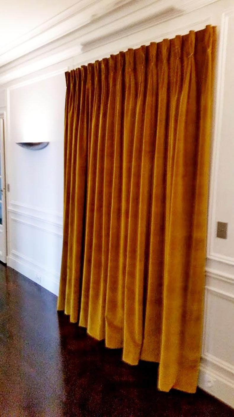 rideau-de-porte-sur-mesure-en-velours-avec-tête-plis-flamands-paris