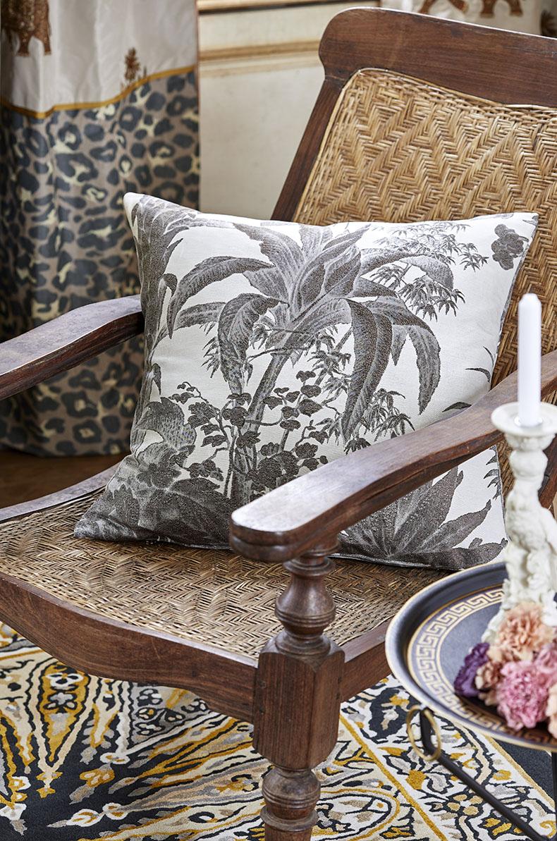 Coussin motif jungle 2020 maharani palmeto