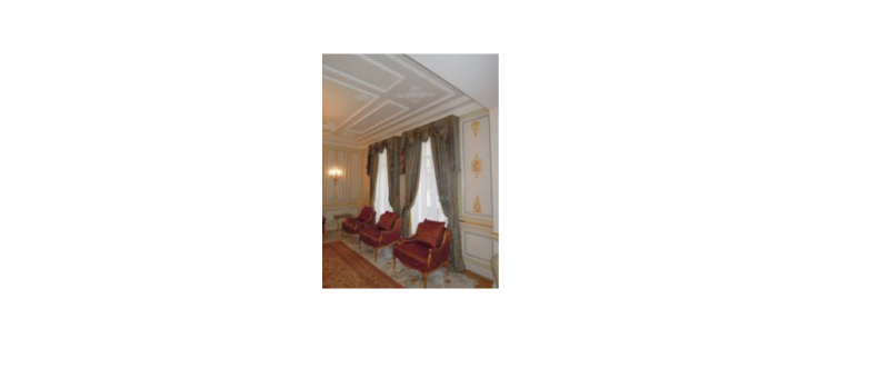 Ambassade d'Arabie Saoudite : Bureau Militaire Salon d'Honneur Rideaux avec festons et pentes (Tissu : Rubelli )