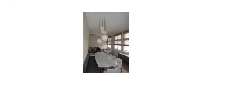 """Appartement avec terrasse Paris 7 ème : Séjour avec 3 stores """"bateau"""" en voile de lin"""