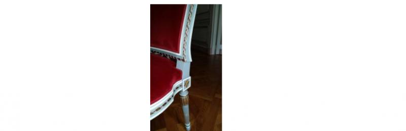 Recouverture d'un canapé et de 6 chaises avec finition passepoil